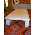 Tavolino in laminato bianco con profili inox